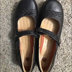 Clark's Unstructured Black Comfort Shoes - Size 11